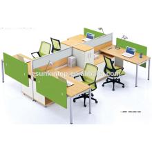 Büro-Arbeitsplatz für vier Personen Pfirsich Holz und warme weiße Polsterung, Pro Büromöbel Fabrik (JO-4046)