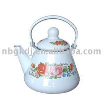 chaleira enamelware com alça de baquelite e design completo