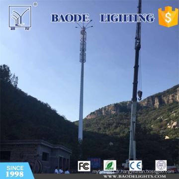 Mât d'antenne hyperfréquence et tour de communication avec éclairage LED