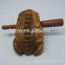 Arte de sapo de madeira de teca