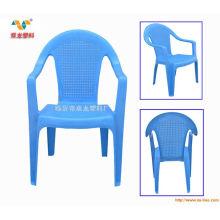 Máquina de moldeo por inyección de sillas de plástico coloreado