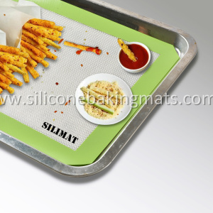 Silicone Baking Mat and Aluminum Baking Pan Set
