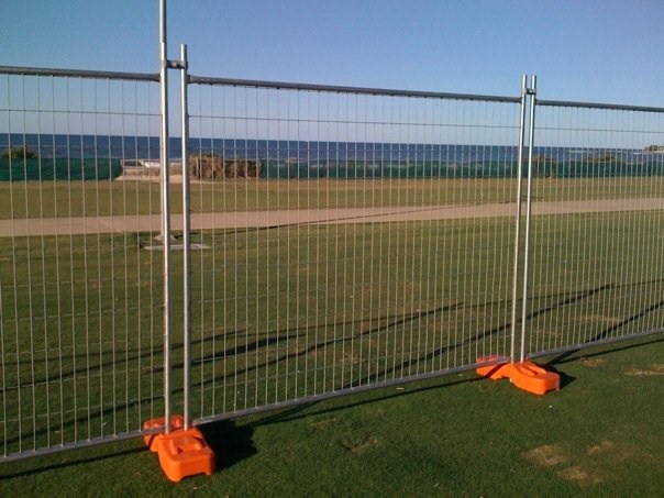 temporary fence feet
