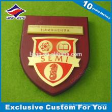 Premio de placa de madera personalizada con corona y estrella para uso escolar