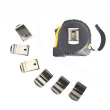 Clip metálico de acero para cinta métrica