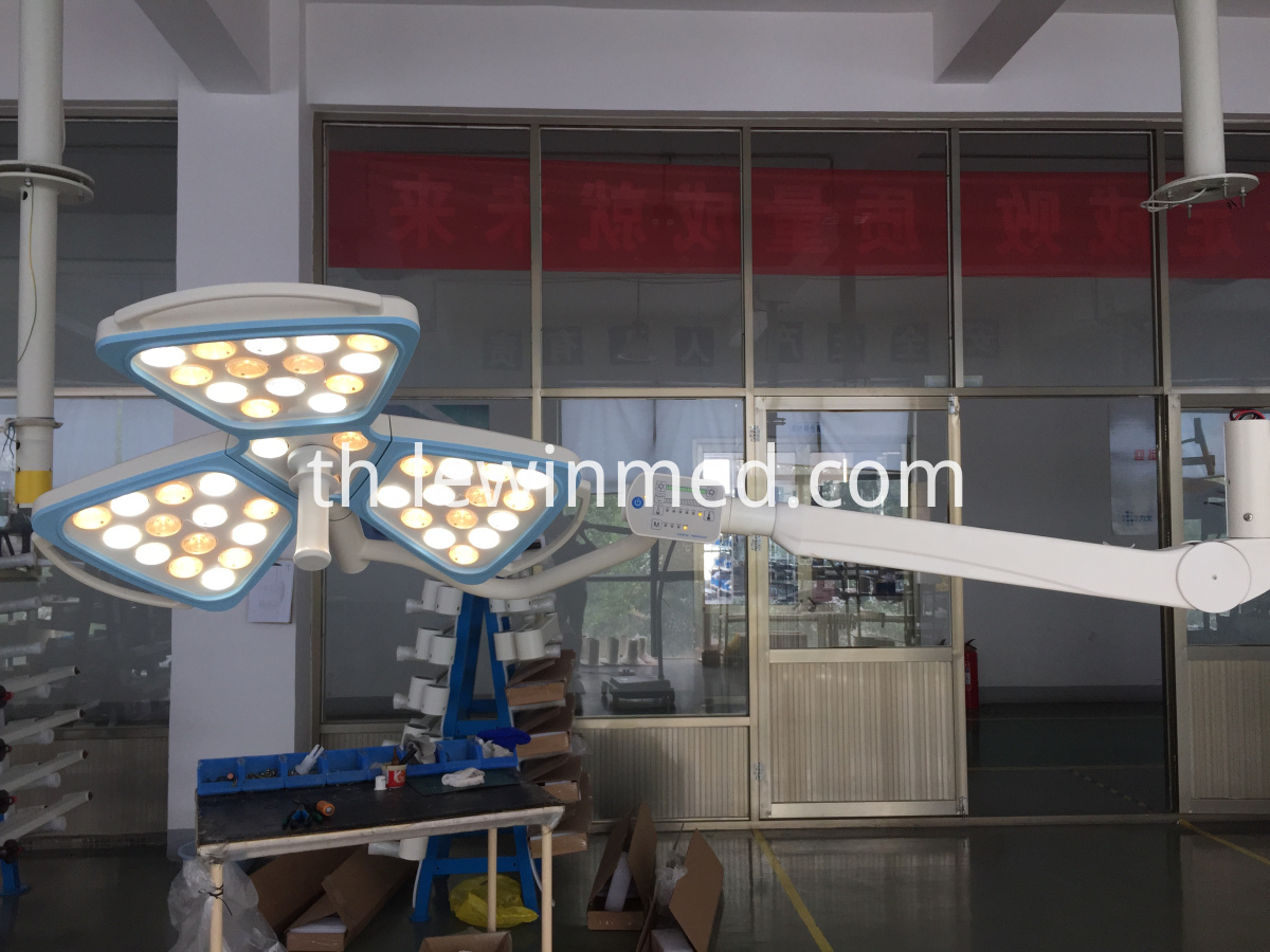 LED shadowless surgery lamp