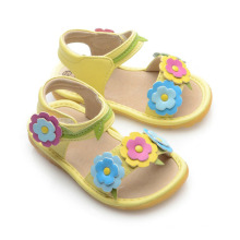 Corlorful Flores Baby Squeaky Sandalias