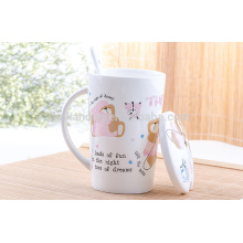 Taza de café de cerámica de la venta caliente 2016 con la tapa y la cuchara en manija