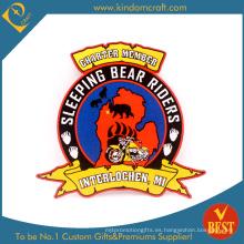 Parche bordado personalizado barato del bordado del miembro de los jinetes del oso (LN-0158)