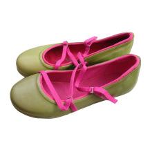 Женские резиновые туфли