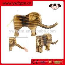 elefante de madera elegante de lujo