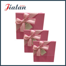 Lovely Pink Logo imprimió la pajarita Custom Cheap Paper Candy Box