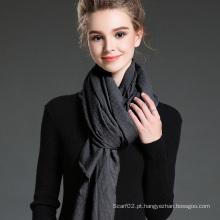 Mulheres no inverno para manter cachecol de poliéster liso quente