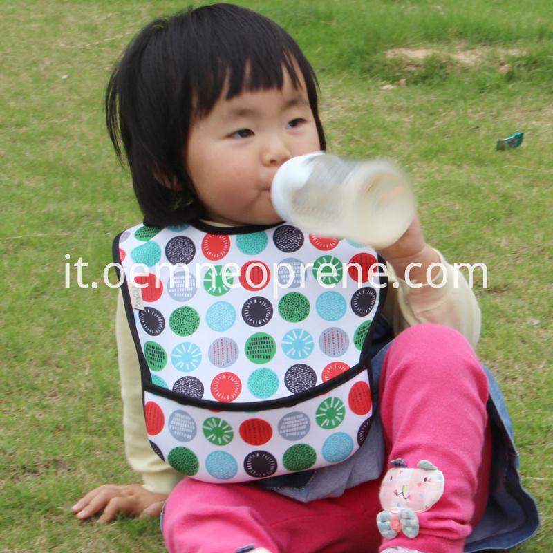 Neoprene toddler bib