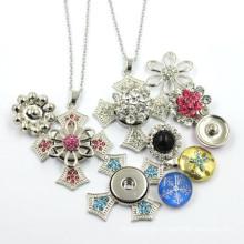 Kundenspezifische späteste Entwurfs-Verschluss-Knopf-hängende Halskette
