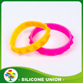 Promotion Custom Sport Energy Silicone Bracelet with Debossed Color Filled Logo Band