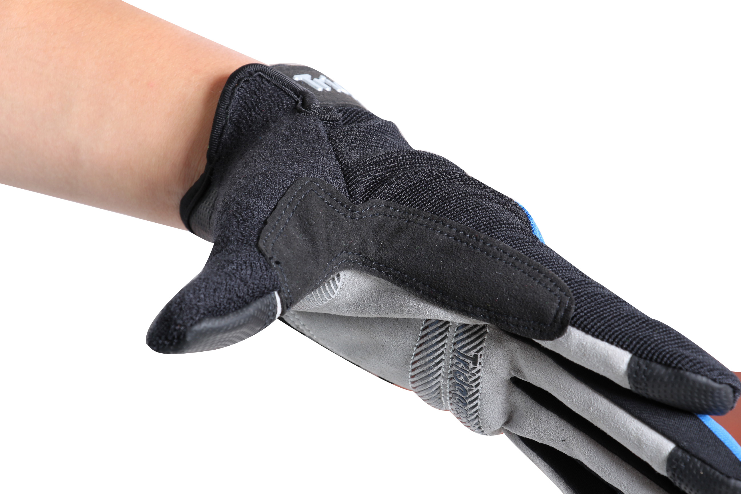 latest design gloves for cycling