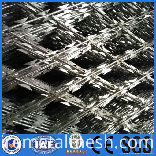 Barbed wire mesh panels