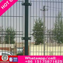 Clôture haute avec revêtement PVC, couleur verte, bleue, jaune et rouge également clôture Calle 358