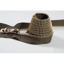 Gute Qualität und Farbe Metall Reißverschluss exponierten Reißverschluss für jeans