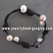 Wax cord bracelet with beautiful pearls