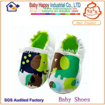 Zapatos de bebé al por mayor baratos de China del algodón