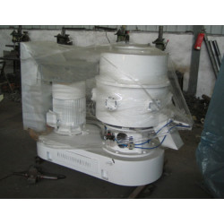 Plastic recycling milling machine