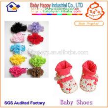 La última venda de la manera y calcetines de los zapatos de bebé