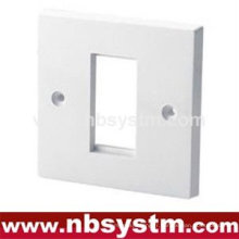 1 port Face Plate UK type. Taille: 86x86mm