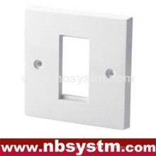 1 porta Face Plate UK type. Tamanho: 86x86mm