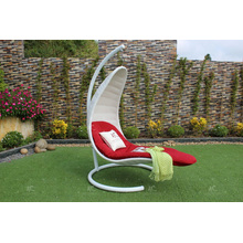 Elegante polie Rattan Swing Chair para jardim ao ar livre Patio Wicker Furniture