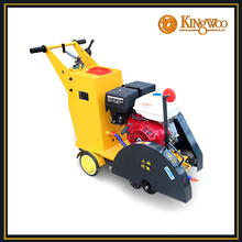 Road cutting/concrete road cutting machine/robin engine cutter