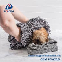 Toalha do cão do Chenille de toalha do animal de estimação de Microfiber da venda por atacado da fábrica de China com bolsos da mão