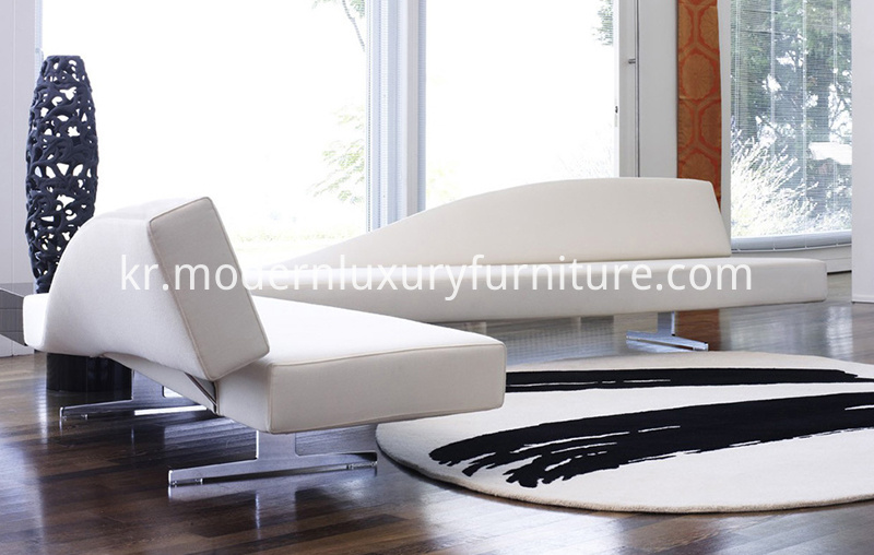 276_Aspen_Sofa_in_Living_Room