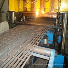 Простая стальная решетка, используемая в крышке канавы