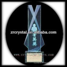 design attrayant blanc trophée en cristal X066