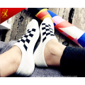 Fashion Patterned Men′s Socks Black and White Hosiery China Factory