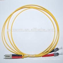 LC / ST Simplex SM Fibre Optique Patch Cord avec Reb & Black Olor Boot