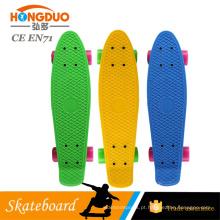 """Skate de plástico de pp colorido de 22 """"para crianças coloridas"""