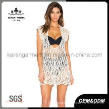 Femmes Crochet Halter Neck Sheer V Neck Plunge Dress