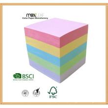 Cubo de papel colorido e suprimento da placa de papel