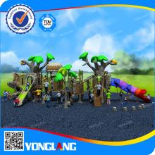 Terrain de jeux en plastique