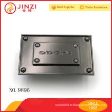 Plaque de conception de couleur de métal de conception dimensionnelle, étiquettes de lettres gravées personnalisées