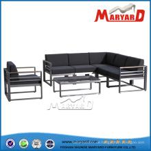 Rostfreier Stahl Material und modernes Erscheinungsbild Metall Sofagarnitur