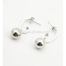 Moda jóias 316L em aço inoxidável brilhante brincos de prata para mulheres com bola redonda