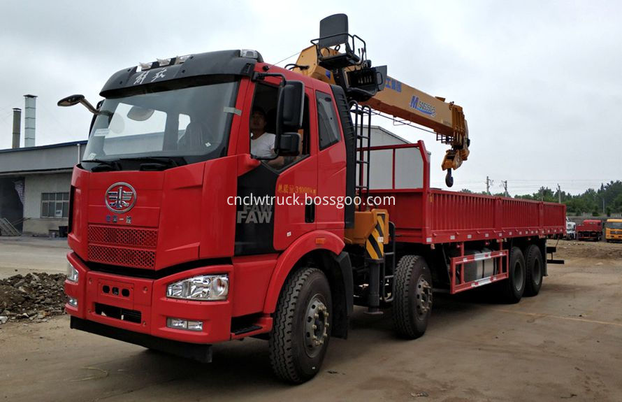 boom truck mounted crane