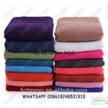 Las mujeres musulmanas del color llanura impreso superior arruga el mantón cubren la bufanda del hijab de la moda del algodón de la bufanda del hijab plisado del algodón