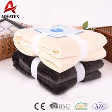 cobertores baratos do velo na cobertura do micromink do projeto da casa maioria com sherpa