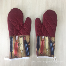 best woman kitchen use barbecue set with glove