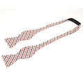 Cravate d'arc de modèle décoratif classique de coton, cravate d'arc faite sur commande
